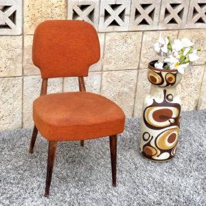 כיסא עץ וינטאג' D08