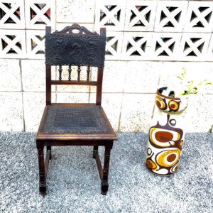כיסא עתיק D10