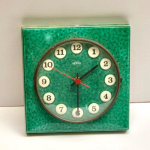 V1 שעון קרמיקה ירוק