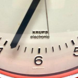 J10 שעון פלסטיק וינטאג' כתום