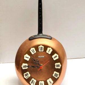 שעון נחושת J18