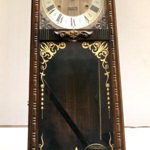 V6 שעון עץ מפואר