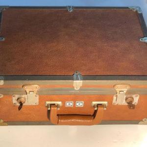 J33 מזוודה וינטאג'