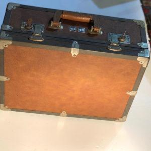 M5 מזוודה וינטאג'