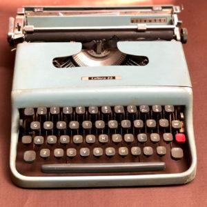 J106 מכונת כתיבה