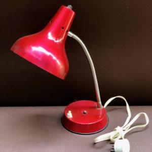 H18 מנורה עשויה פח וינטאג'