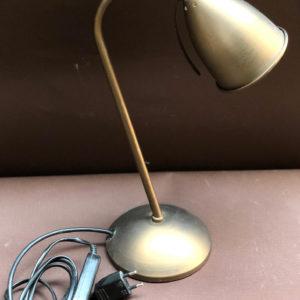 H20 מנורת שולחן