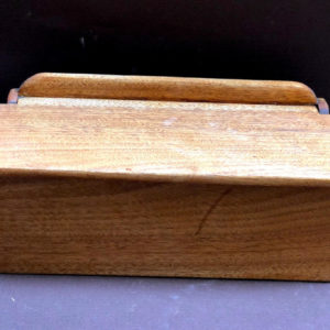 M8 קופסא עץ לכלי תפירה