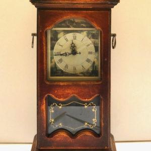 V19 שעון עץ