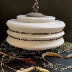 H24 מנורה וינטאג' לבן היסטרי