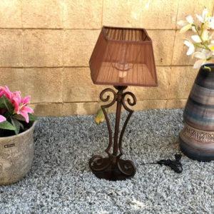 H30 מנורת שולחן קלאסית