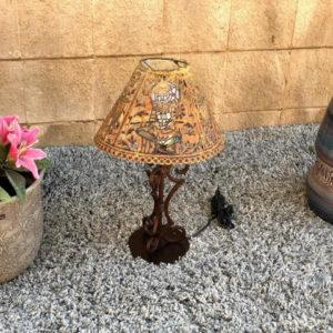 H31 מנורת שולחן רשת ייחודית