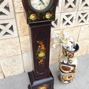 V22 שעון עץ פרחים