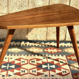 A28 שולחן וינטאג' אובלי