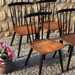 D18 כיסאות עץ וינטאג'