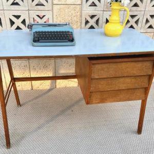 A38 שולחן כתיבה וינטאג תכלת