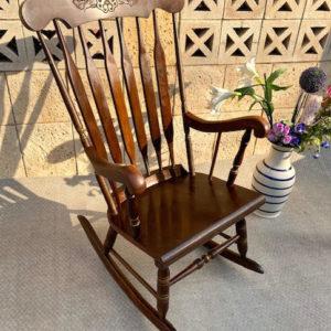 Q1 כיסא נדנדה סבתא