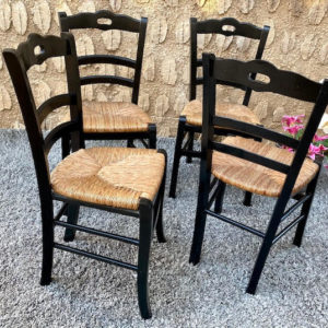 D20 כסאות עץ מושב קלוע