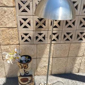 H55 מנורת רגל וינטאג'